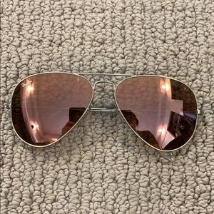 Pink reflective Ray-Ban aviators